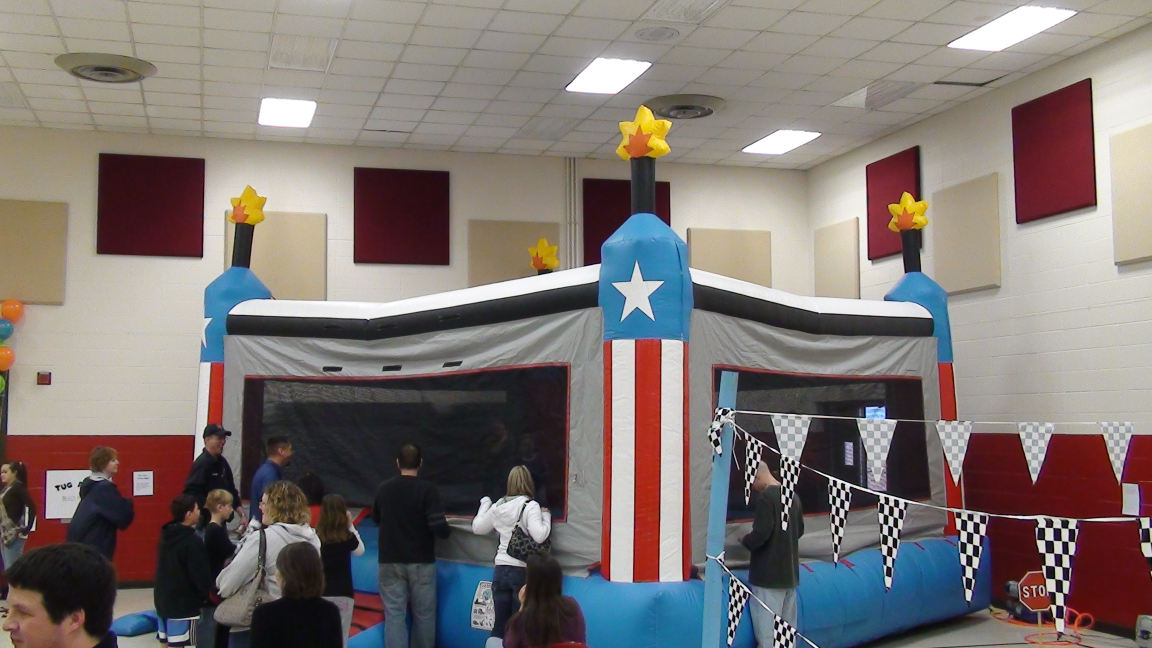 20'x20' Bounce House GIANT DYNAMITE